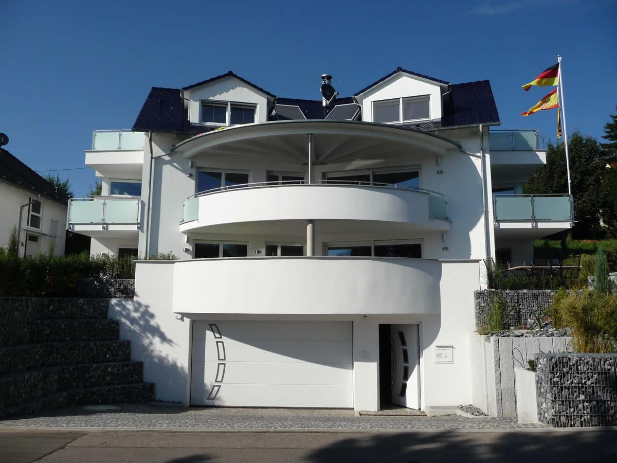 Neubau einfamilienhaus mit tiefgarage architekt for Neubau einfamilienhaus