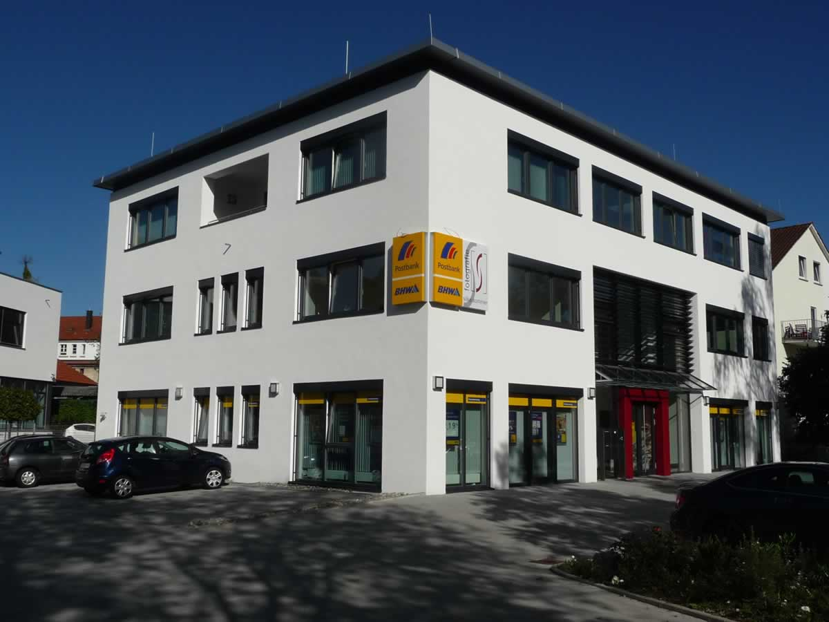 Verwaltungsgebäude Bild 1