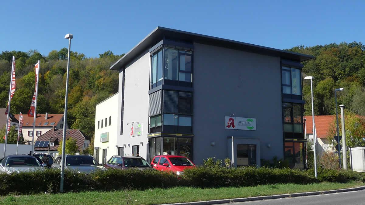 Bürogebäude und Verkaufsräume - Bild 1