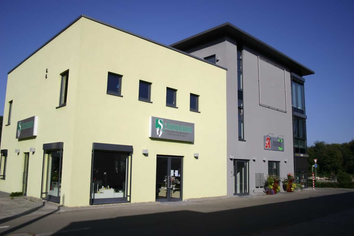 Bürogebäude und Verkaufsräume - Bild 2