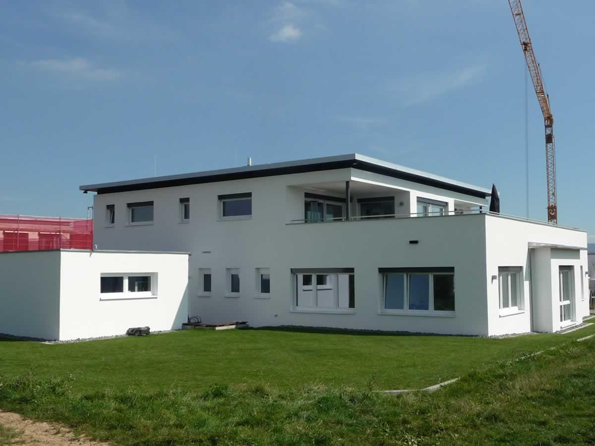 Verwaltungsgebäude mit Betriebswohnung - Bild 3