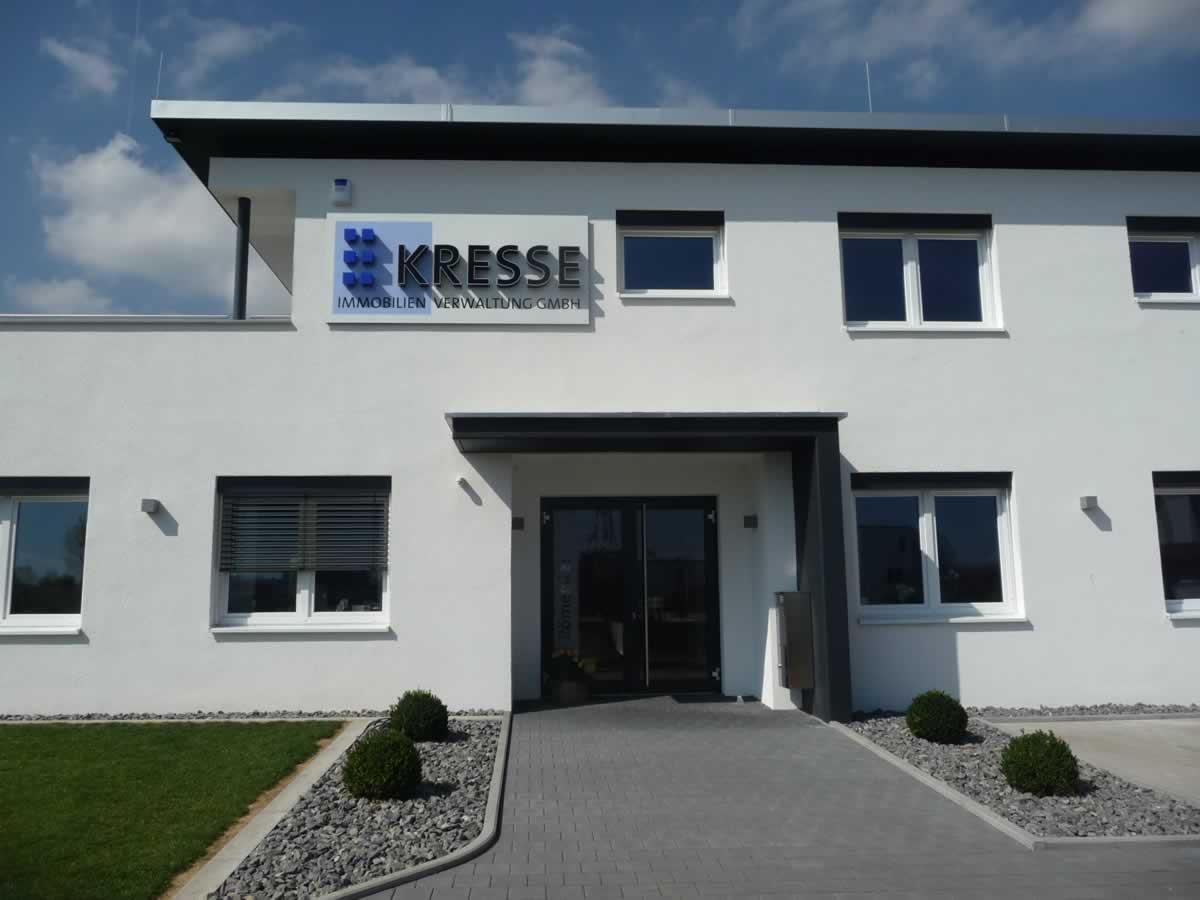 Verwaltungsgebäude mit Betriebswohnung - Bild 4