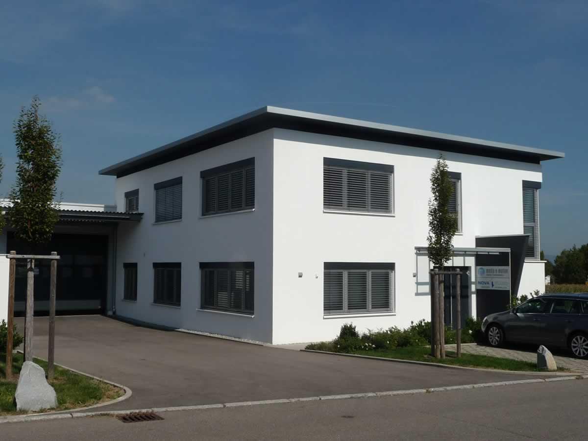 Verwaltungsgebäude und Fertigungshalle - Bild 2
