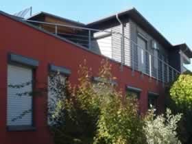 Verwaltungsgebäude mit Betriebswohnung und Fertigungshalle - Bild 2