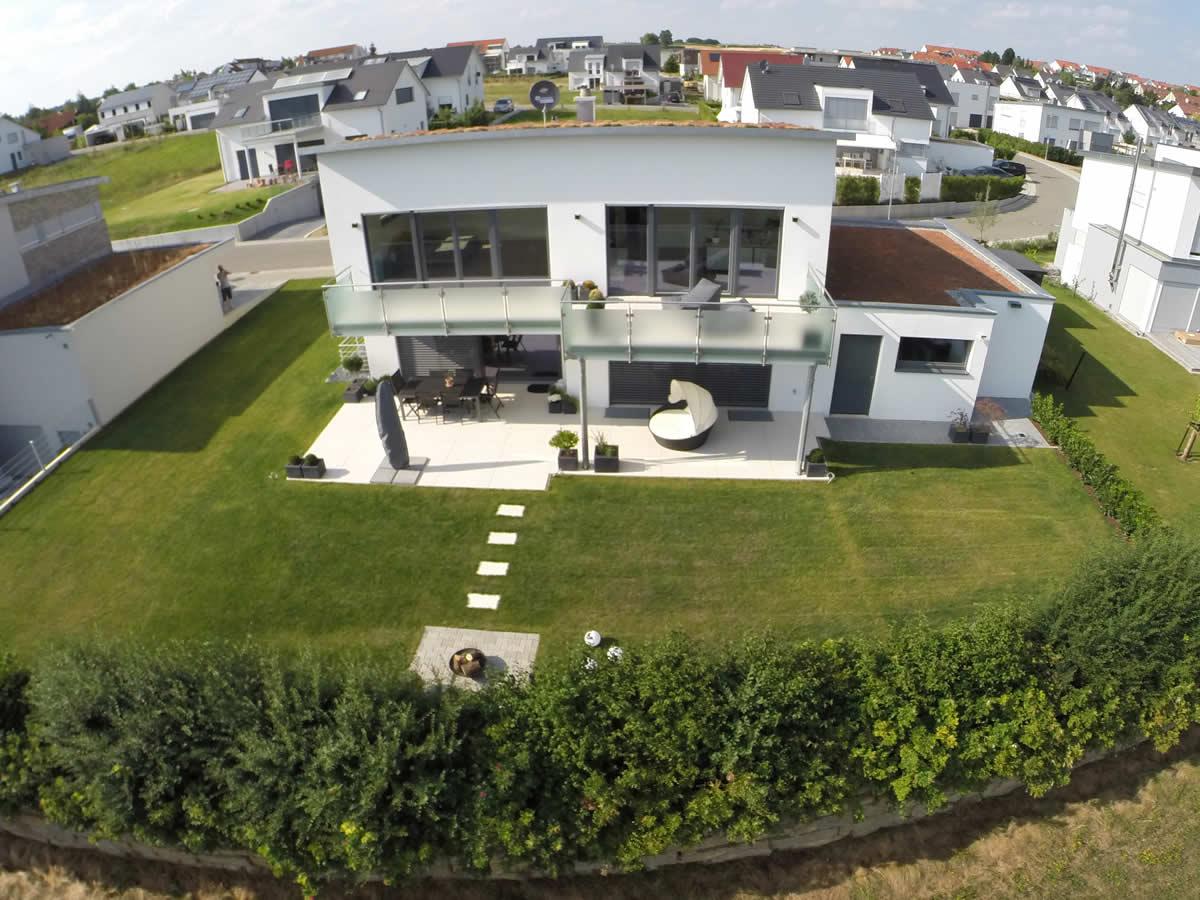 Neubau eines Einfamilienhauses mit Doppelgarage - Bild1